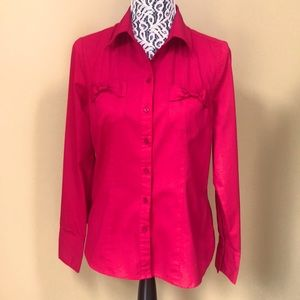 🔥3/$20Denver Hayes red long sleeve blouse. Size M